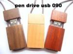 Pen drive USB 090 gadget in legno